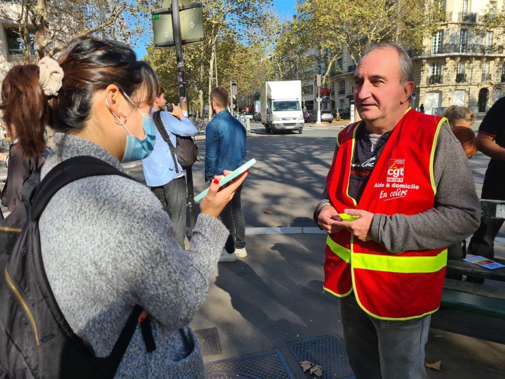 Stéphane Fustec prend la parole pour défendre les droits des aides à domicile